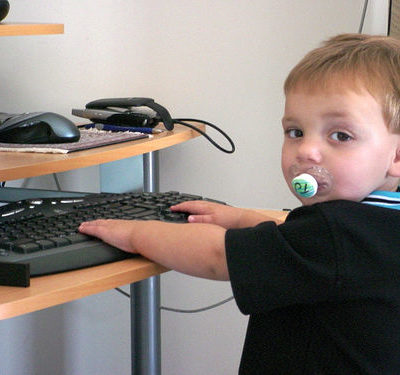 How To Provide Remote Computer Support When You're The Only Geek In The Family